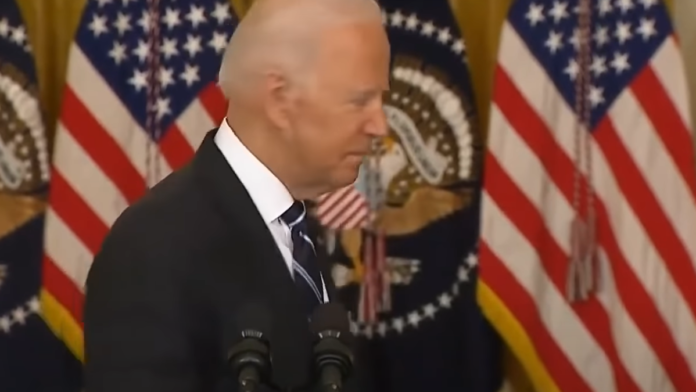 Must See Biden Begs People to Get Vaccinated and Flees...